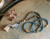 Beautiful agate / faceted blue stone gemstone mala necklace