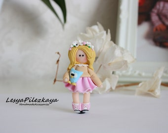 Polymer clay brooch - little girl- pastell colours - pink white beige blau - spring jewelry