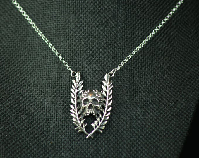 Glory Necklace