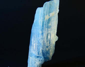 Genuine Raw Aquamarine Gem 38.2g AQ78