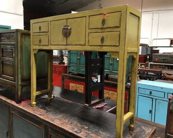 Chinese Console Table in Lacquered Citrus Green (Los Angeles)