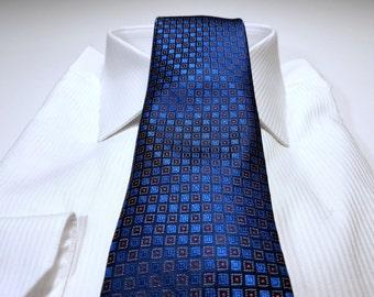 HORIZON Blue Red and White Silk Tie