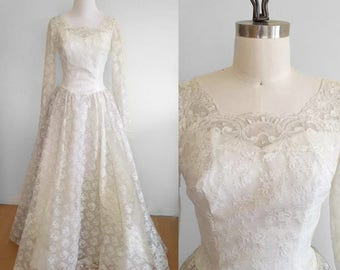 Vintage 1960s Wedding Dress Ivory Lace With Train Long Sleeves Size Small ILGWU Bridal Gown