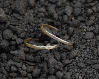 Set of two hammered stacking rings, half sterling silver and brass rings, mixed material rings, 1,5mm rings, silver and gold colored rings