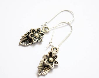Pretty Floral Design Silver Plated Drop Earrings