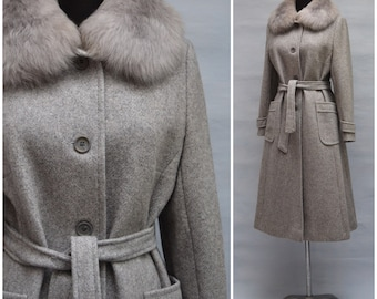 Vintage Coat, 1970's grey wool trench coat, Ladies fitted overcoat with faux fur collar, Warm winter coat, Medium