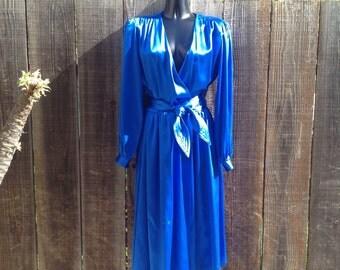 Vintage royal blue mid calf dress. Size S