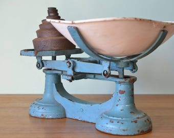 Vintage Cast Iron kitchen scales turquoise blue & white  weights metal antique