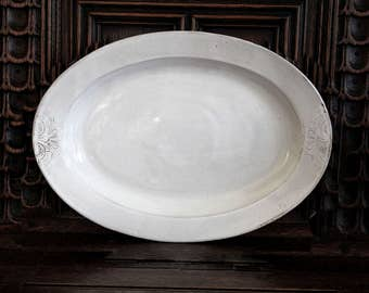 Large White Oval Platter, White Stoneware Platter, Handmade Ceramic Platter, Serving Tray, Ceramic Tray with Detailing