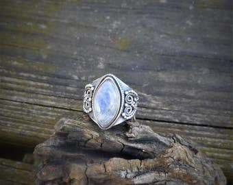 Moonstone ring, oxidized ring, 925 silver ring, gemstone ring, rainbow moonstone ring, moonstone jewelry, size 9 ring,goth ring,marquise