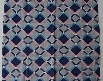 "Vintage 1930s Bold Printed Plaid Cotton Fabric 33"" x 15 1/2""- B2A"