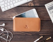 iPhone 8 Plus leather case. iPhone 7 Plus sleeve case. Handmade. Light brown color.