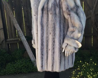 SALE Gorgeous White Cross Mink Fur Jacket Stroller Coat XL  норка nerz 貂皮-ミンク Rare Quality Label of Auhenticity Ready for Wear