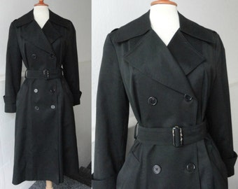Black 70s Vintage Trenchcoat // Lined