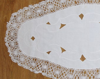 Polish Richelieu White Oval Table Runner Flowers Vintage Dresser Scarf cutwork embroidery lace endings Polish linen Wedding tabel decoration