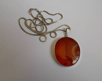Vintage large pendant agate and silver with his string of 1970s
