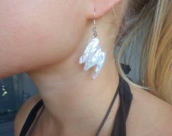 Mother of Pearl crystal Earrings