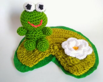Amigurumi frog with lotus flower - READY TO SHIP -