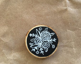 Spring Floral Wood Slice Chalkboard Magnet, Hand Designed, Hand Lettered, Home Decor