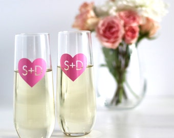 Monogram Champagne Flute, champagne glass, personalized glasses, bridesmaid gift, wedding stemless glasses, bachelorette gift, wedding heart