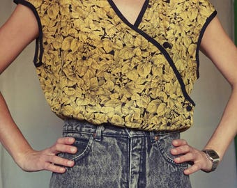 80's blouse//gold and black// oriental style