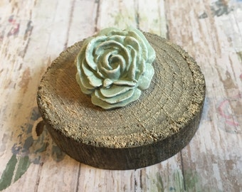 Green Flower Brooch - flower brooch, flower pin, flower jewellery, flower accessories, botanical jewellery, statement jewellery