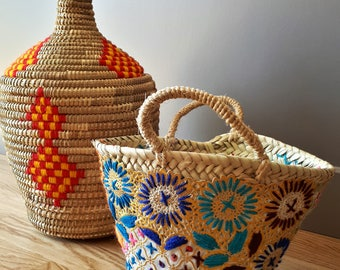 Small basket braided and embroidered with floral designs - handmade
