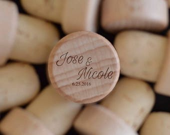 Custom Wine Stoppers - Wedding Party Favors - Wedding Accessories - Wine Cork Monogram - Wedding Favor for Guest - Wine Stoppers Decorative