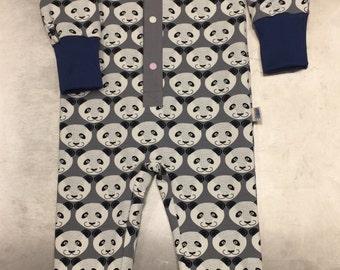 Organic cotton pajamas with smiling panda print