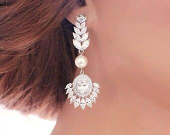 Crystal wedding earrings, bridesmaid earrings, pearl wedding jewelry, chandelier earrings, vintage style earrings, art deco, bridal earrings