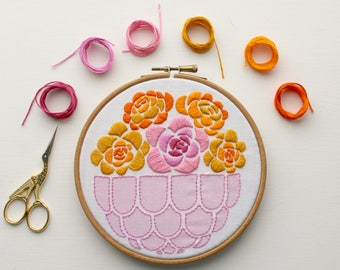 Marigold flower embroidery kit. Summer floral embroidery design. Flowers.DIY  Hoop art. Craft Kit. Home decor.Mothers day.Blooms.Needlecraft