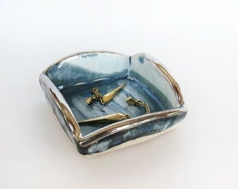 Ring dish. Trinket Dish. Gifts for Her. Teal. Jewelry Holder. Modern Ceramics