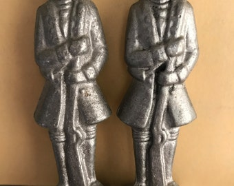 2 Soldier figurines, Revolutionary War, Soldiers, Pewter, 1976 Bicentennial, Collectables