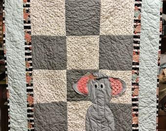 Elephant crib bedding , Handmade quilt for sale, Elephant quilt, Baby crib quilt, Personalized quilt, Elephant bedding, Elephant blanket