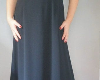 90s Laura Ashley dress. XL size. Black long polyester shortsleeved dress, fully lined. In excellent vintage collection.