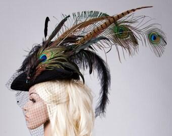 Fascinator - tricorn with feathers / / women's hat with veil / / wedding / / Gothic / / Dreispitz