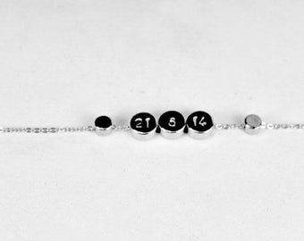 Date Necklace Silver dot necklace. Wedding date.Anniversary date, Birthday,Silver .Calendar Necklace,Number Date necklace,First communion