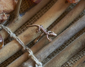 Bronze Lizard Ring, Animal Ring for Women, Small Gold Ring, Women's Ring, Gecko Ring, Bronze Ring for Women, Animal Jewelry, Bronze Jewelry