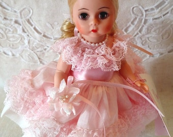 "Madame Alexander ""Flower Girl""  Wedding Party Doll, 8"" #334 Americana Collection, Restrung with Wrist Tag & Box"