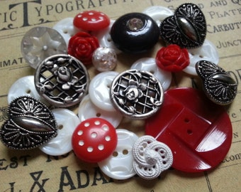 Cottage Chic Buttons ... Hearts Roses Shell ... Vintage Buttons. Two Dozen.