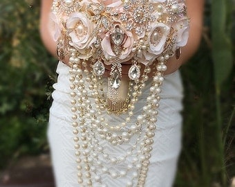 Gold Brooch Bouquet,Rose Gold Bouquet, Custom Pink and Gold Cascading Pearl Bouquet , Vintage Gatsby Bridal Brooch Bouquet -DEPOSIT ONLY
