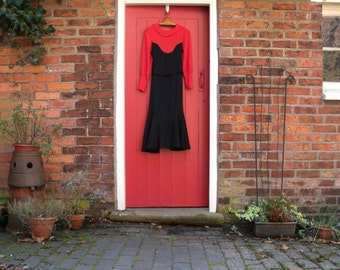 30s crepe dress / 1930s two tone dress / Art Deco dress with sash and collar / bias cut red and black day dress