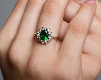 Scarlett. Handmade Swarogreen Ring