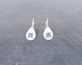 Tulip Earrings - Tiny Silver Earrings Flower Earrings Tear Drop Silver Earrings Floral Earrings Minmal Earrings Geometric Earrings