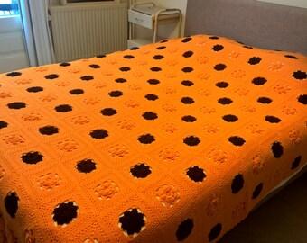 large vintage mid-centuries granny square crochet blanket 220-270 cm, afghan blanket