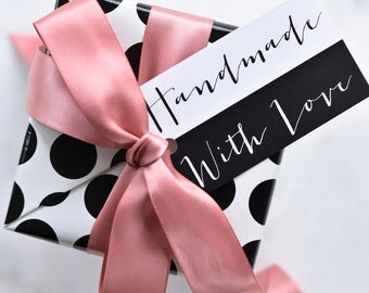 ON SALE! Handmade with Love Gift Tags, Set of 10 Gift tags, Favor Tags, Gift wrapping tags, Black and white gift tags.