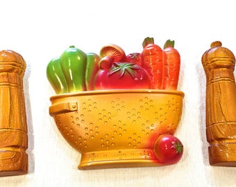 Vintage Kitchen Chalkware Plaques, Miller Studios, Colander, Vegetables Salt and Pepper Shakers, Chalkware Wall Decor, 1980s In Original Box