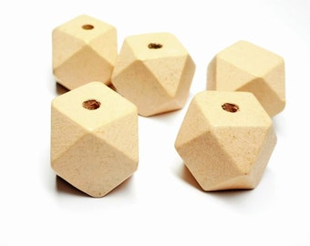 Set of 5 natural polygon beads 20 mm