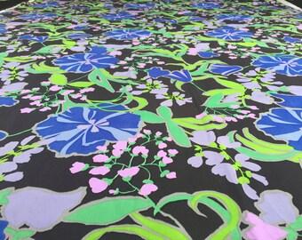 0.98 YARD! Vintage 60s fabric 90x140cm: black blue flower tray 12