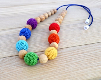 Nursing necklace rainbow, rainbow necklace, for teething, organic necklace, necklace for mom, gift to newborn, teething beads, crocheted toy